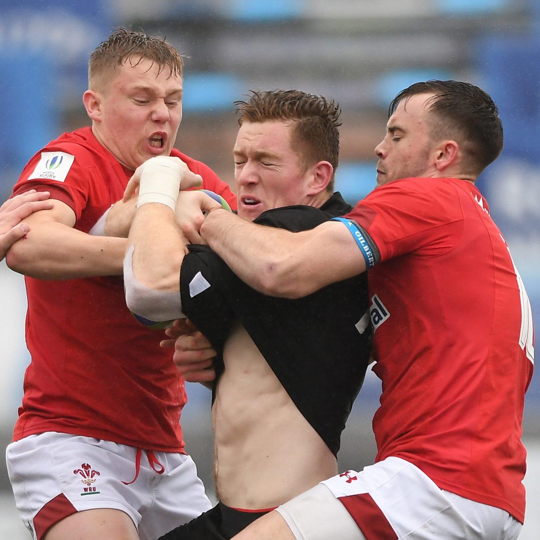 Sam Costelow Wales U20s