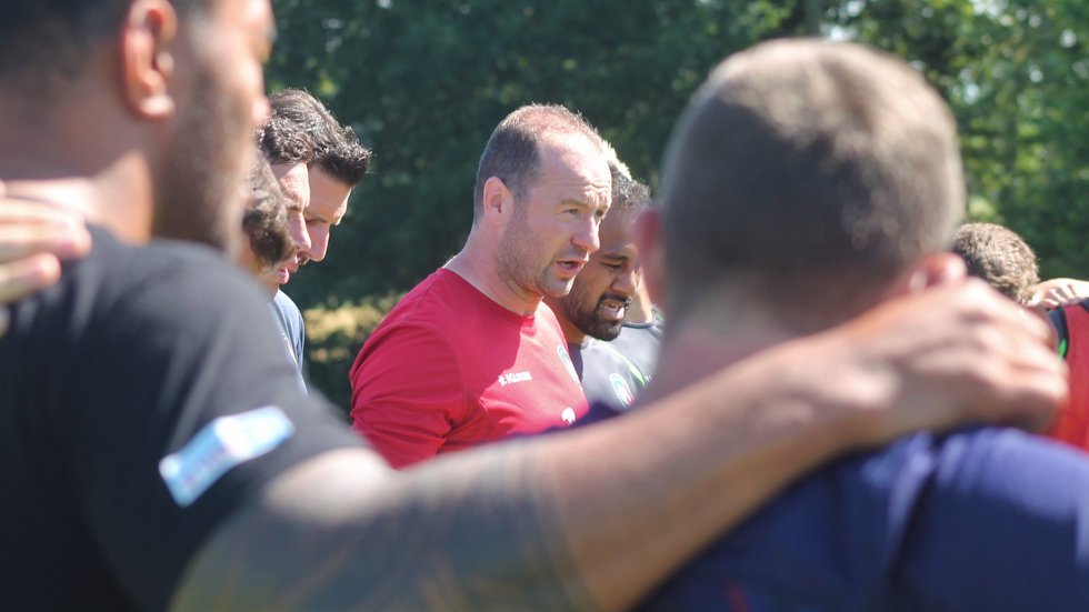 Tigers head coach Geordan Murphy addresses his squad during the 2019/20 pre-season