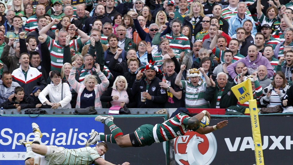 Alesana Tuilagi goes over in front of the Tigers faithful at Welford Road