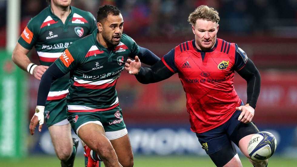 Telusa Veainu (left) faces a spell on the sidelines after suffering a broken jaw at Thomond Park