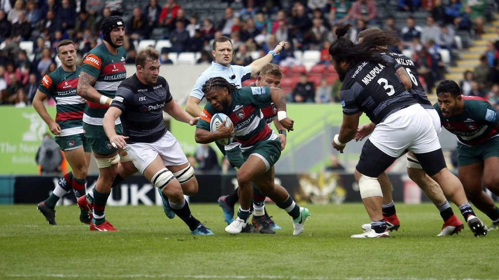 Kyle Eastmond makes a break in his first Premiership appearance at Welford Road for Tigers