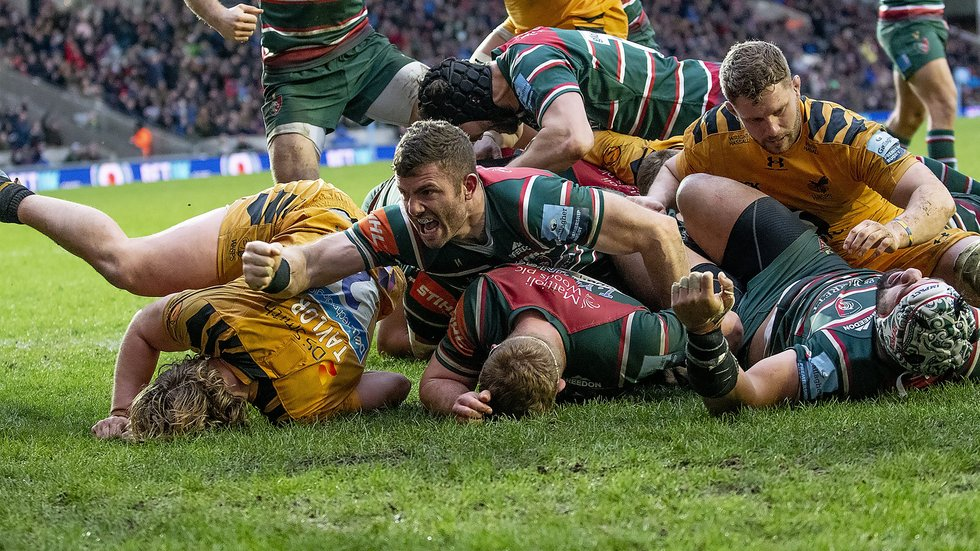 Jaco Taute celebrates during the win over Wasps at Welford Road earlier this season