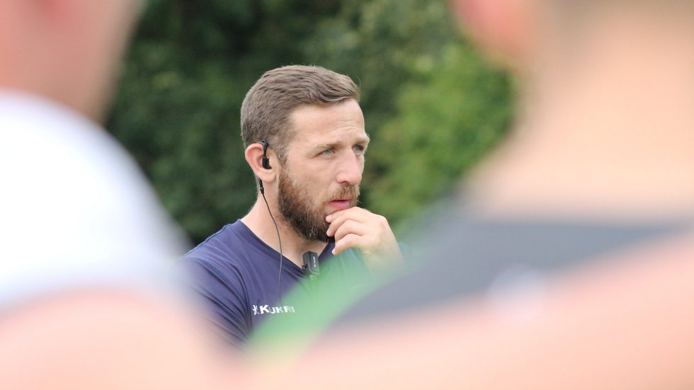 David Mele watches on during a Tigers academy session in the 2019/20 pre-season