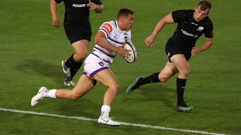 Simmons' last competitive game before Sale was in the Premiership Sevens in July 2018.