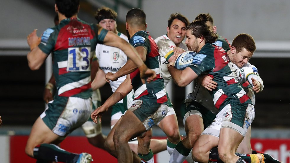 Kobus van Wyk takes on the Irish defence in Friday's win in Gallagher Premiership action