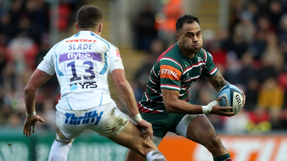 Telusa Veainu tests the Chiefs defence during Saturday's game against Exeter Chiefs