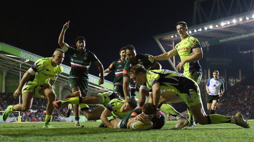 Nick Malouf scores the bonus-point try in the win against Sale Sharks at Welford Road