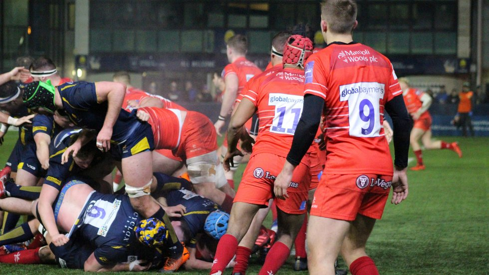 Tigers defend their line in the game aty Sixways