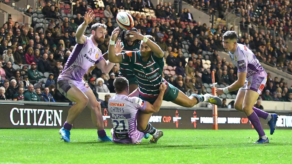 Tom Hardwick pops a no-look pass for Kyle Eastmond, who goes in to score for Leicester in the Premiership Cup clash with Exeter at Welford Road
