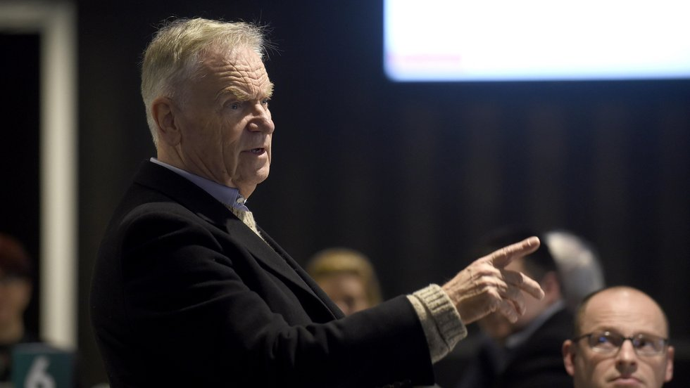 Lord Jeffrey Archer was the guest at the opening Luncheon Club event