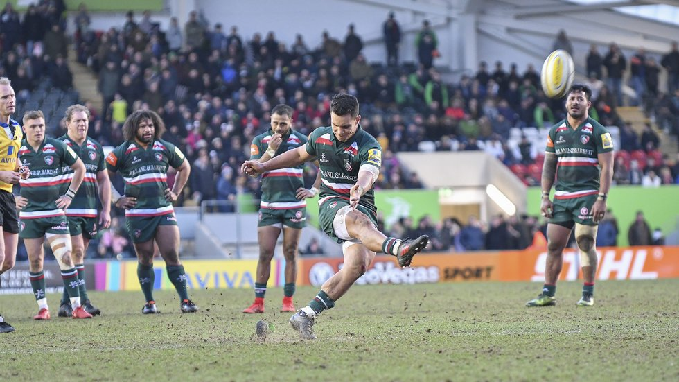 Matt Toomua kicked three conversions and four penalties in a personal haul of 23 points
