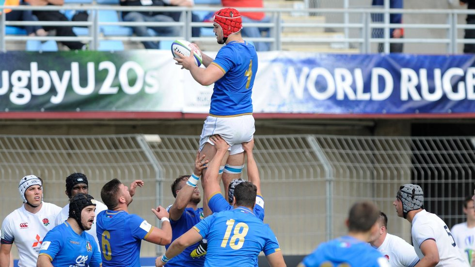 Tigers forward Sam Lewis (right) looks on as Italy's Matteo Canali claims lineout ball
