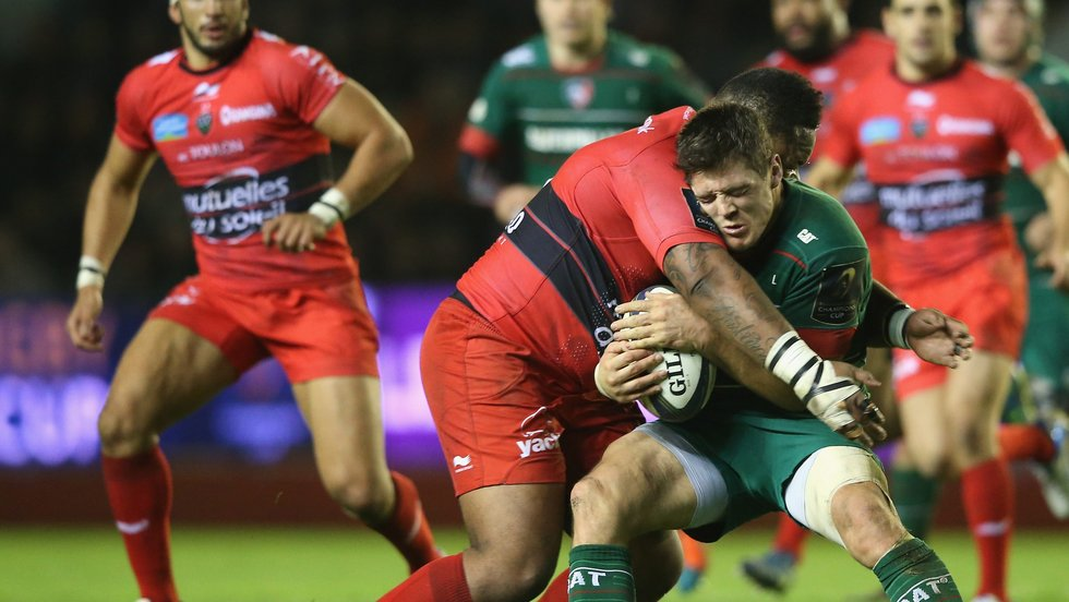 Anthony Allen feels the weight of the Toulon defence