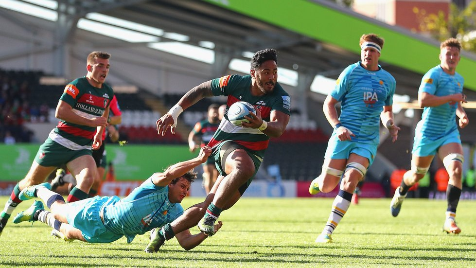 Manu Tuilagi makes a break in the Tigers fightback against Worcester Warriors