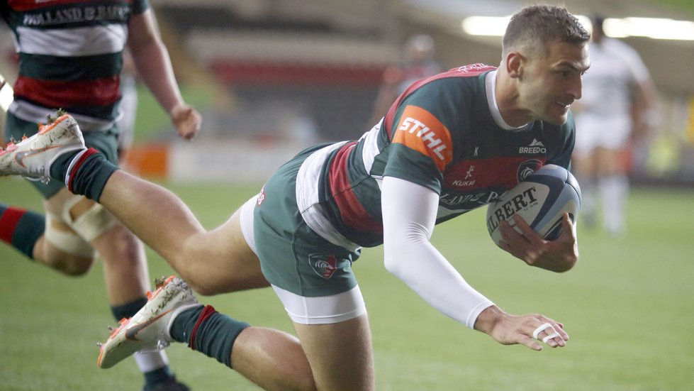 Jonny May dives in to score the opening try at Welford Road on Friday evening