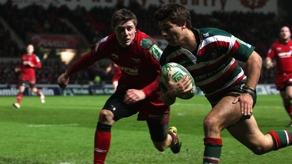 Ben Youngs runs into the corer to score in the win over the Scarlets in Wales