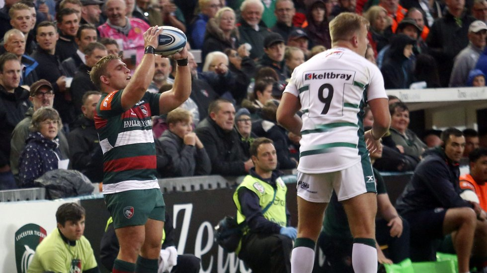 Club captain Tom Youngs prepares to feed a line out during the 2018/19 pre-season fixture against London Irish at Welford Road