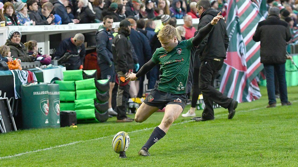 Sam Costelow, kicking in a warm-up at Welford Road, starts for Wales U18s