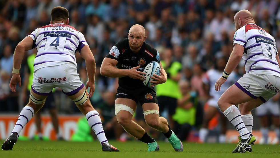 Chiefs flanker Matt Kvesic takes on the Leicester Tigers defence at Sandy Park