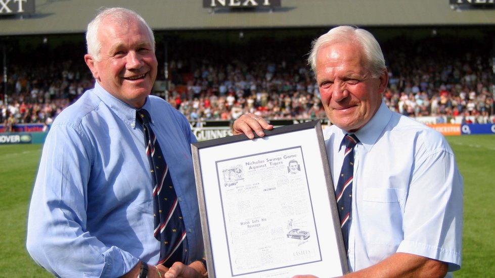 In 2005, Tigers chairman Peter Tom presented David Matthews with a souvenir to mark 50 years since his debut