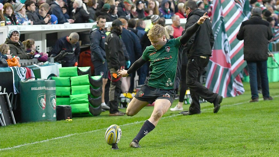 Sam Costelow was on the mark with two conversions in an important win for the Welsh